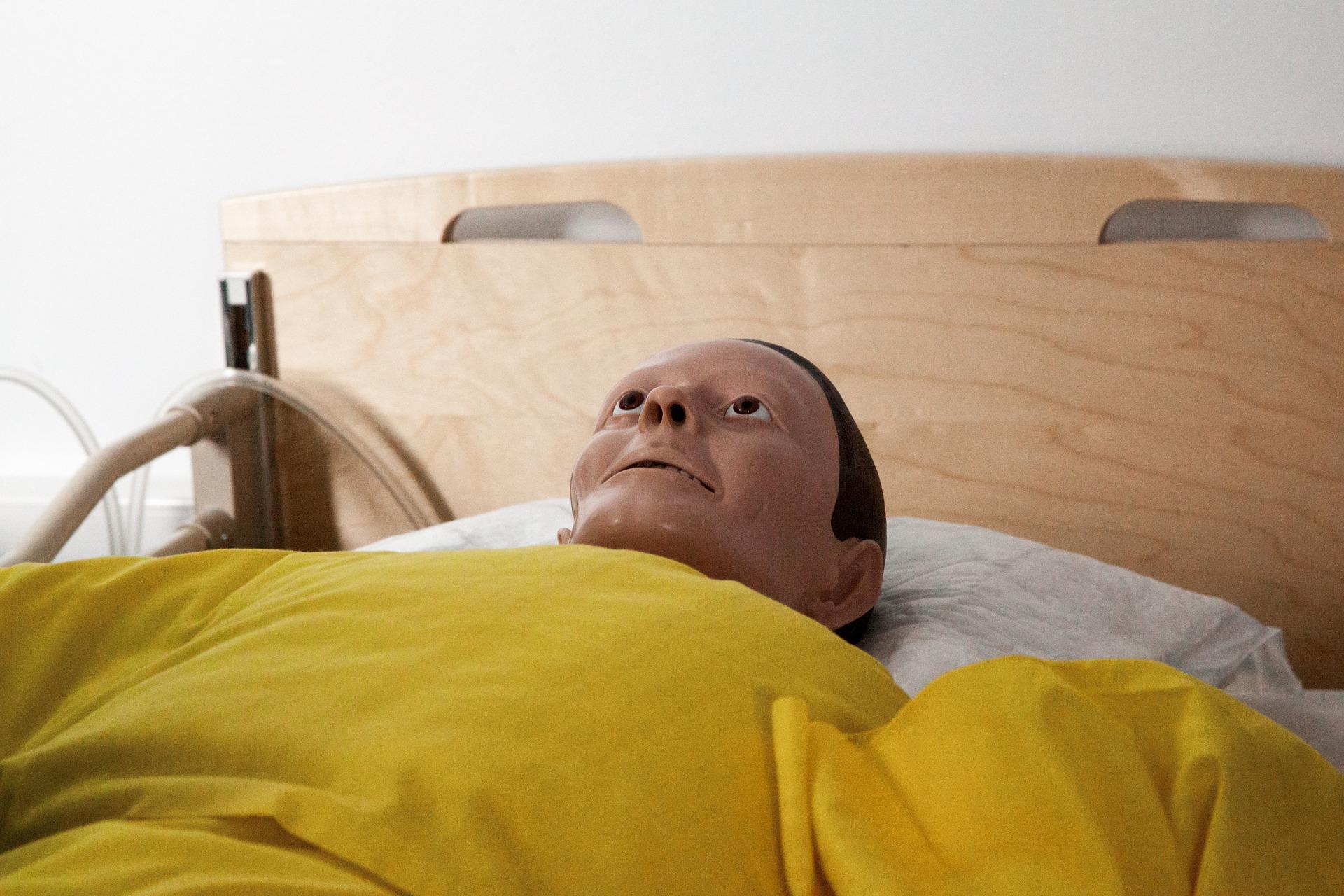 paramedics-doll-1142277_1920